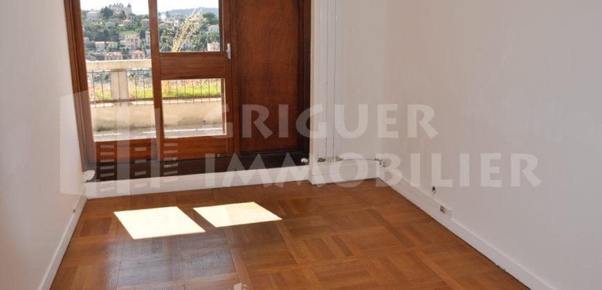 Location appartement 3 pièces dernier étage Chambrun Nice