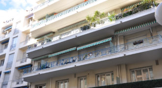 Vente 3 pieces 98 m² Carré d'Or à Nice