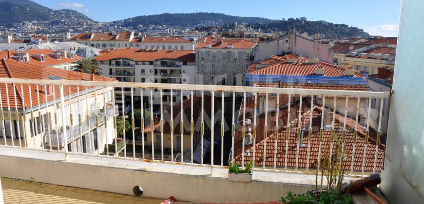 Vente appartement 2 pièces Le Palace rue A. Karr centre ville de Nice