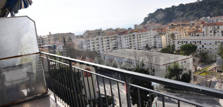 Location 3 pièces en étage élevé Bas Carnot / Port avec vue balcon vue dégagée et garage