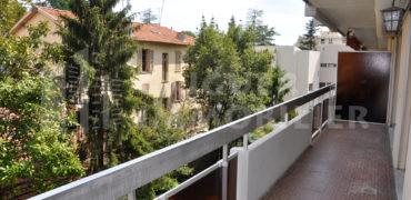 Location 2 pièces au calme avec terrasse et parking Nice Henry Dunant
